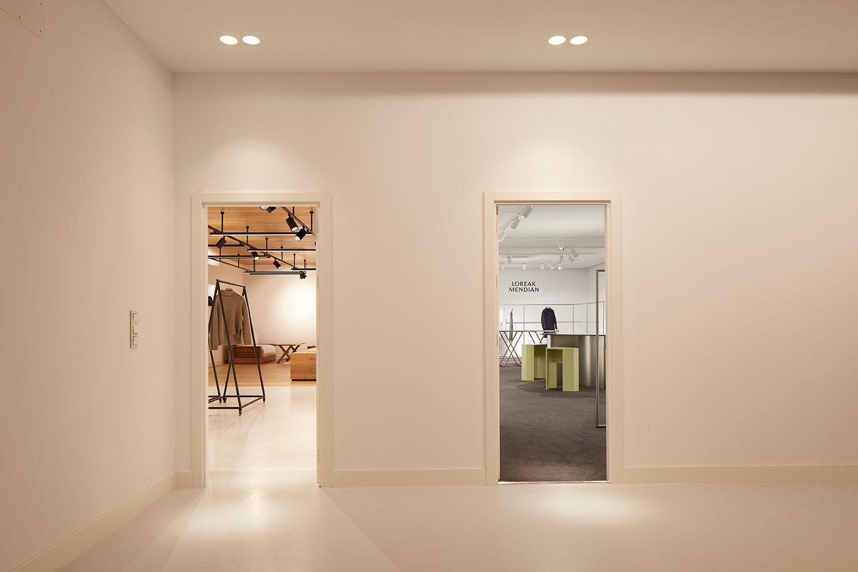 Islada - Showroom Loreak